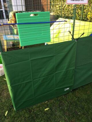 Wind- und Sonnenschutz für unseren Wasserbehälter