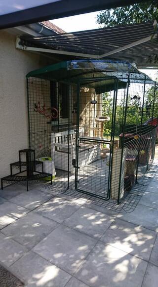 enclos installé contre la maison 3