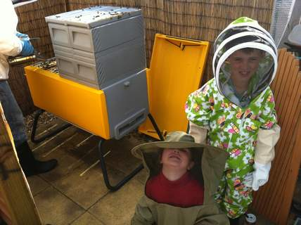 Mini beekeepers with the beehaus