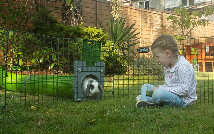 Barnen kommer älska att se sina kaniner springa runt i tunnlarna