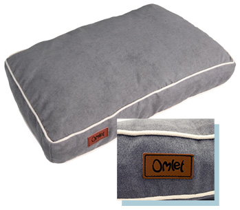 Omlet Fido beds are comfy and cozy with neat piping around the edges