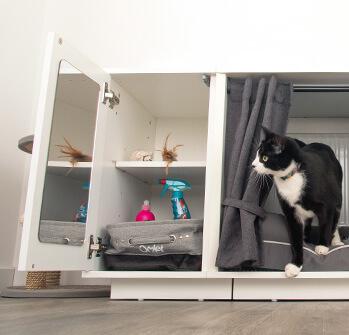 Garderoben till Maya Nook håller dina katts leksaker och godisbitar på en plats
